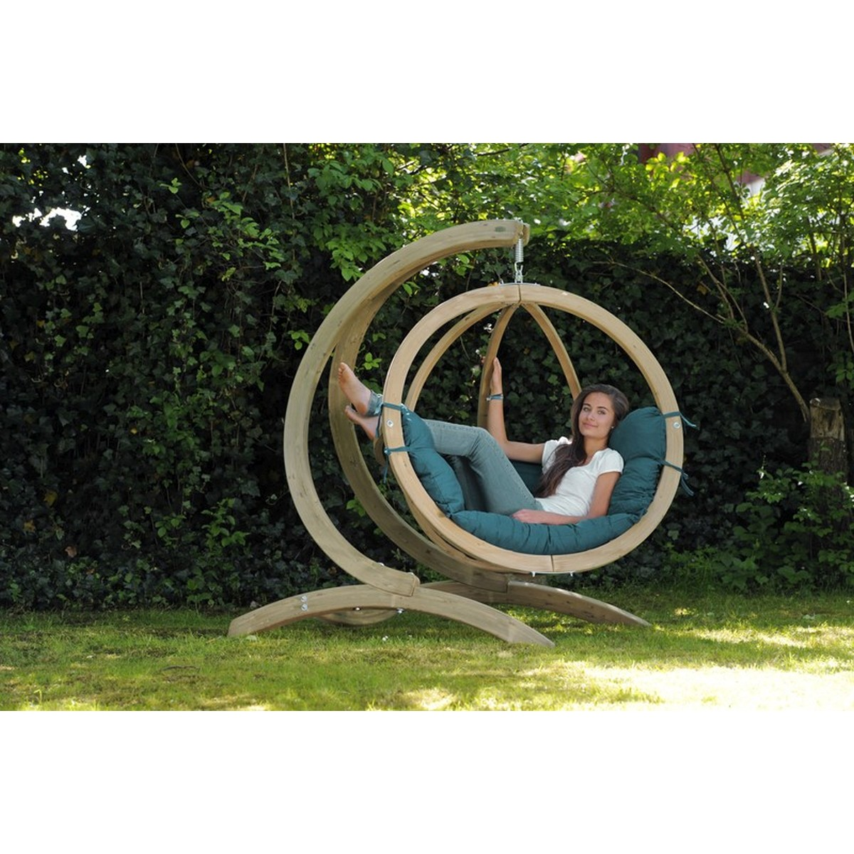 Amazonas fauteuil suspendu globo chair vert avec support bois - Fauteuil suspendu avec support ...